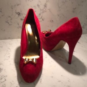 Dolce vita Red suede pumps